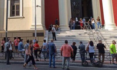 Κορονοϊός: Έκτακτα μέτρα σε Αχαΐα και Ιωάννινα - Μάσκες παντού 21