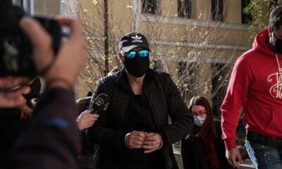 Στον εισαγγελέα με χειροπέδες ο Νότης Σφακιανάκης: «Είμαι εγκληματίας», είπε ειρωνικά – βίντεο 8