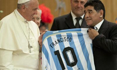 """Μαραντόνα: Ο τσακωμός του με τον πάπα Ιωάννη Παύλο Β: """"Νόμιζα θα δω στο Βατικανό Άγιους, είδα χρυσές στέγιες & μετάξια…"""" (+video)"""