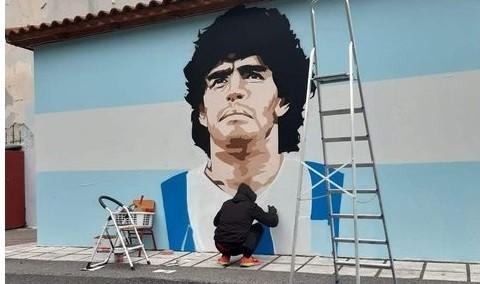 Μιλήσαμε με τον δημιουργό του καλύτερου γκράφιτι για τον Μαραντόνα (που κινδυνεύει με σβήσιμο)