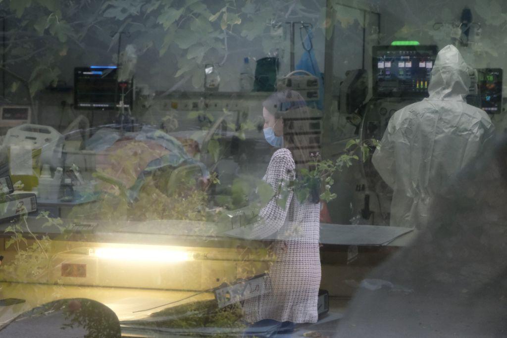 Κοροναϊός : 237 νέα κρούσματα και 28 θάνατοι – Στους 320 οι διασωληνωμένοι