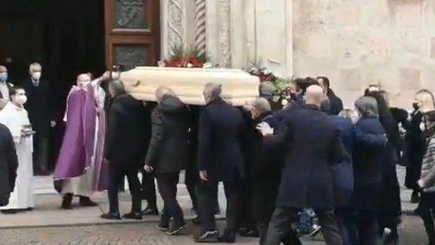 H κηδεία του μυθικού Πάολο Ρόσι (+pic)