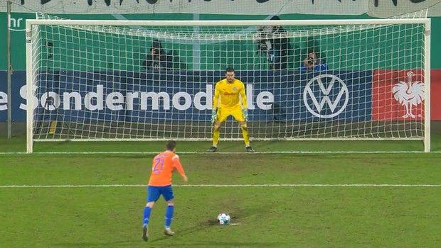 """Ιστορικές στιγμές για Γκέλιο & Κίελ: Πρόκριση σε """"8"""" Κυπέλλου Γερμανίας, λύτρωση Ντόρτμουντ με Χάλαντ (+video)"""