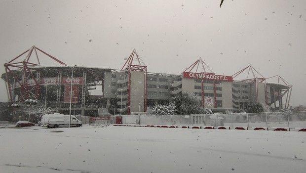"""Ολυμπιακός: Ντύθηκε στα λευκά λόγω χιονιού το """"Γεώργιος Καραϊσκάκης"""" (+pics)"""