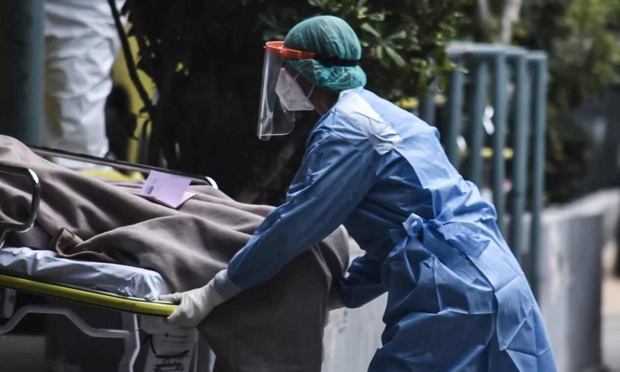 Κρούσματα σήμερα: «Ασφυκτιά» η Αττική με 1.047 νέες μολύνσεις – Ανησυχία για Θεσσαλονίκη, Αχαΐα, Μεσσηνία… (+ video)