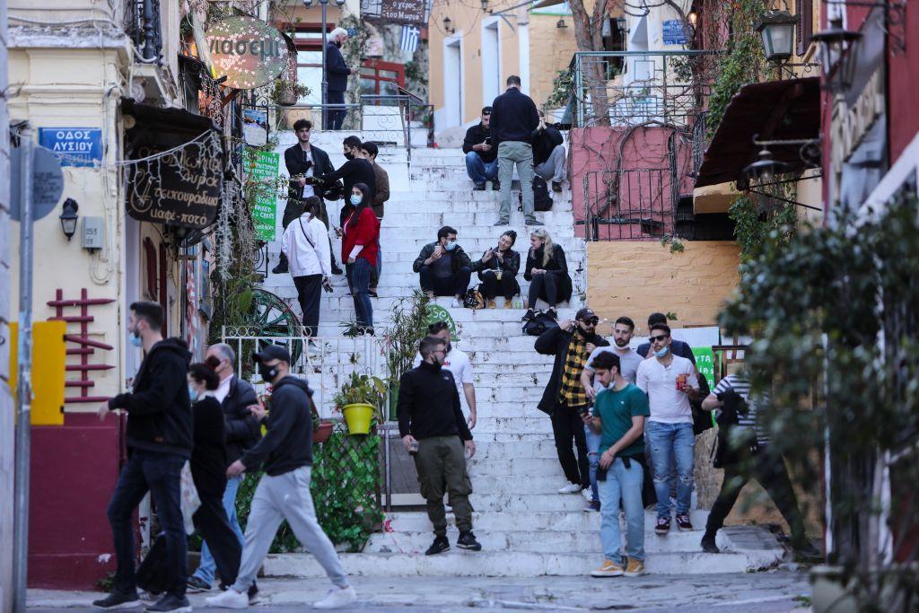 Κορονοϊός: 2146 νέα κρούσματα το τελευταίο 48ωρο στην Ελλάδα – 134 νεκροί και 797 διασωληνώσεις (+video)