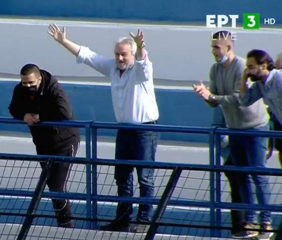 Ζήτω η Ελλάς: Καλά, δεν έχει αποχωρήσει από τον Λεβαδειακό ο Γιάννης Κομπότης;  (+pics – video)