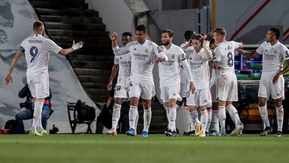 """Ρεάλ – Λίβερπουλ 3-1: Προβάδισμα πρόκρισης με Βινίσιους για τους """"μερένγκες"""" (+video)"""