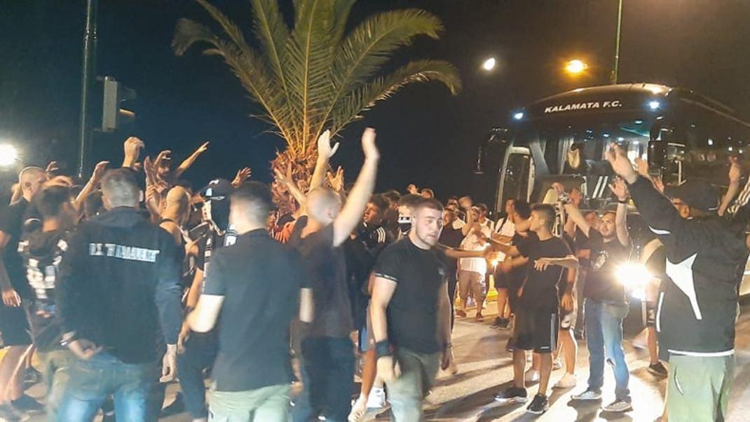 """""""Κάηκε"""" η Παραλία από την υποδοχή της Μαύρης Θύελλας: """"Νάτοι, Νάτοι, οι Πρωταθλητές""""! (+pics-vids)"""