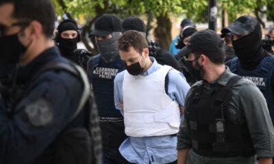 Τα Βρετανικά ΜΜΕ ψάχνουν, κάνουν ρεπορτάζ ενώ τα ελληνικά τον λένε... φιλόζωο Μπάμπη στην VIP φυλακή του! (pics - videos) 6