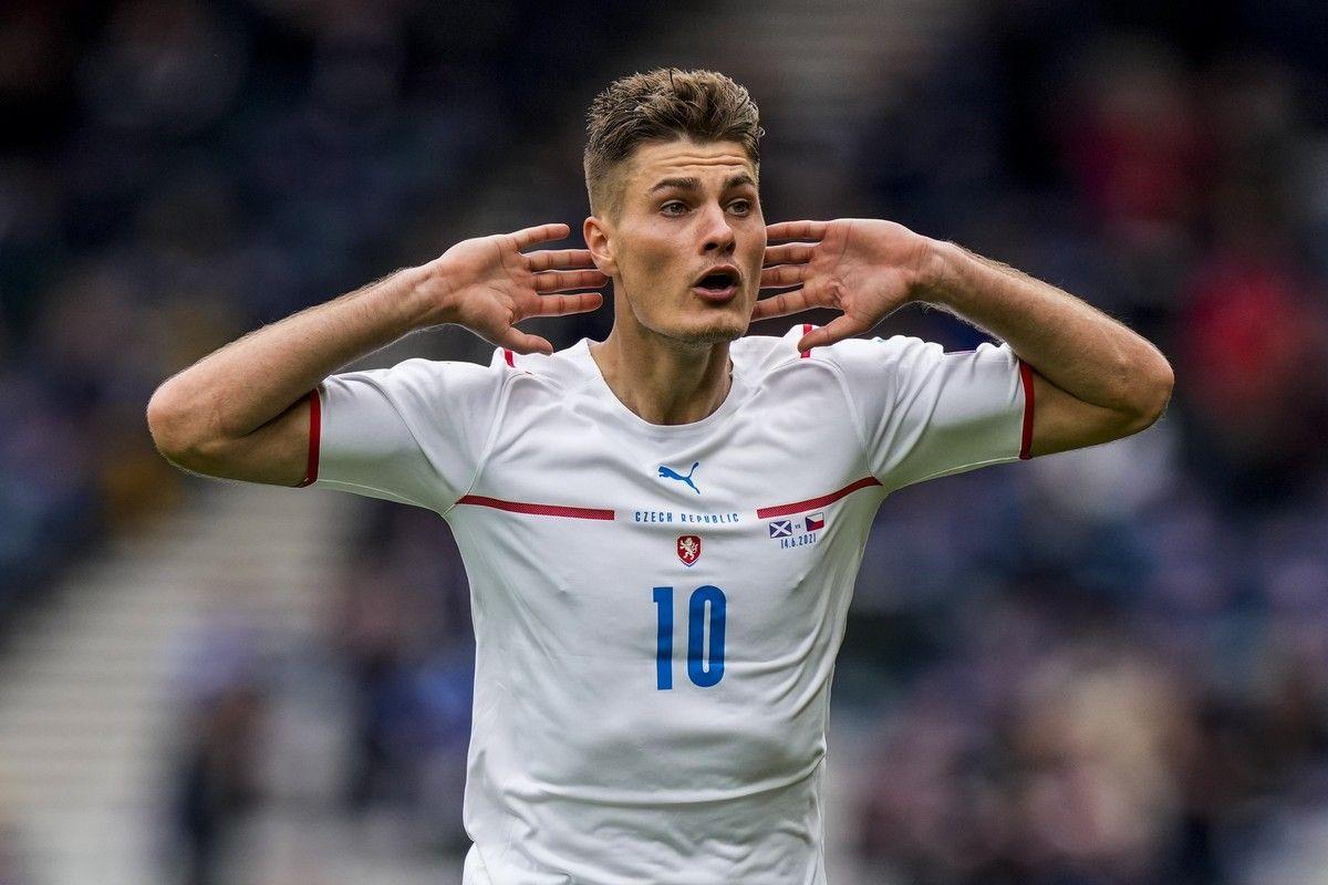Euro 2020, Σκωτία – Τσεχία 0-2: Τρίποντο για τους Τσέχους με γκολ από τη σέντρα (video)