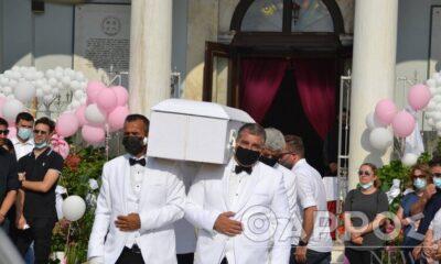 Ράγισαν καρδιές στην κηδεία της μικρής Αναστασίας - Απαρηγόρητη η οικογένεια της Έρρικας Πρεζεράκου (pics) 6