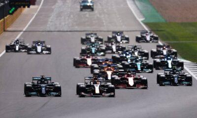 Formula 1: Κυρίαρχος Χάμιλτον στο Σίλβερστοουν, μετά το ατύχημα με Φερστάπεν (+video)