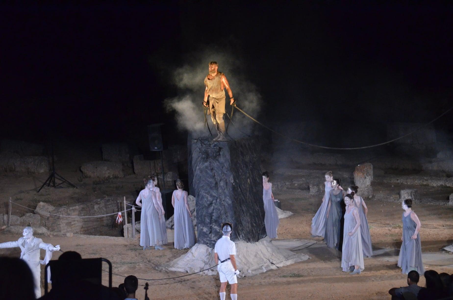 """Ευκλής Καλαμάτας: Παρακολούθησαν τον """"Προμηθέα Δεσμώτη"""" στην Αρχαία Ήλιδα"""