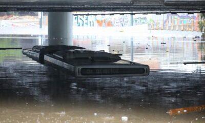 Η ανακοίνωση της ΟΣΥ για το πλημμυρισμένο λεωφορείο στην Παραλιακή